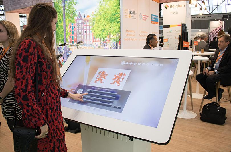 Prestop touchscreen tafel voor Health Holland